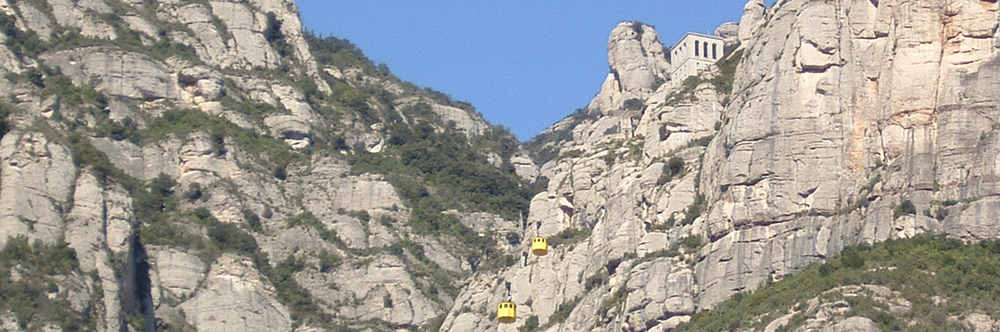 By Aeri (Cable car)