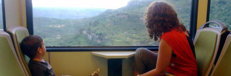 Montserrat des de Barcelona amb tren i cremallera