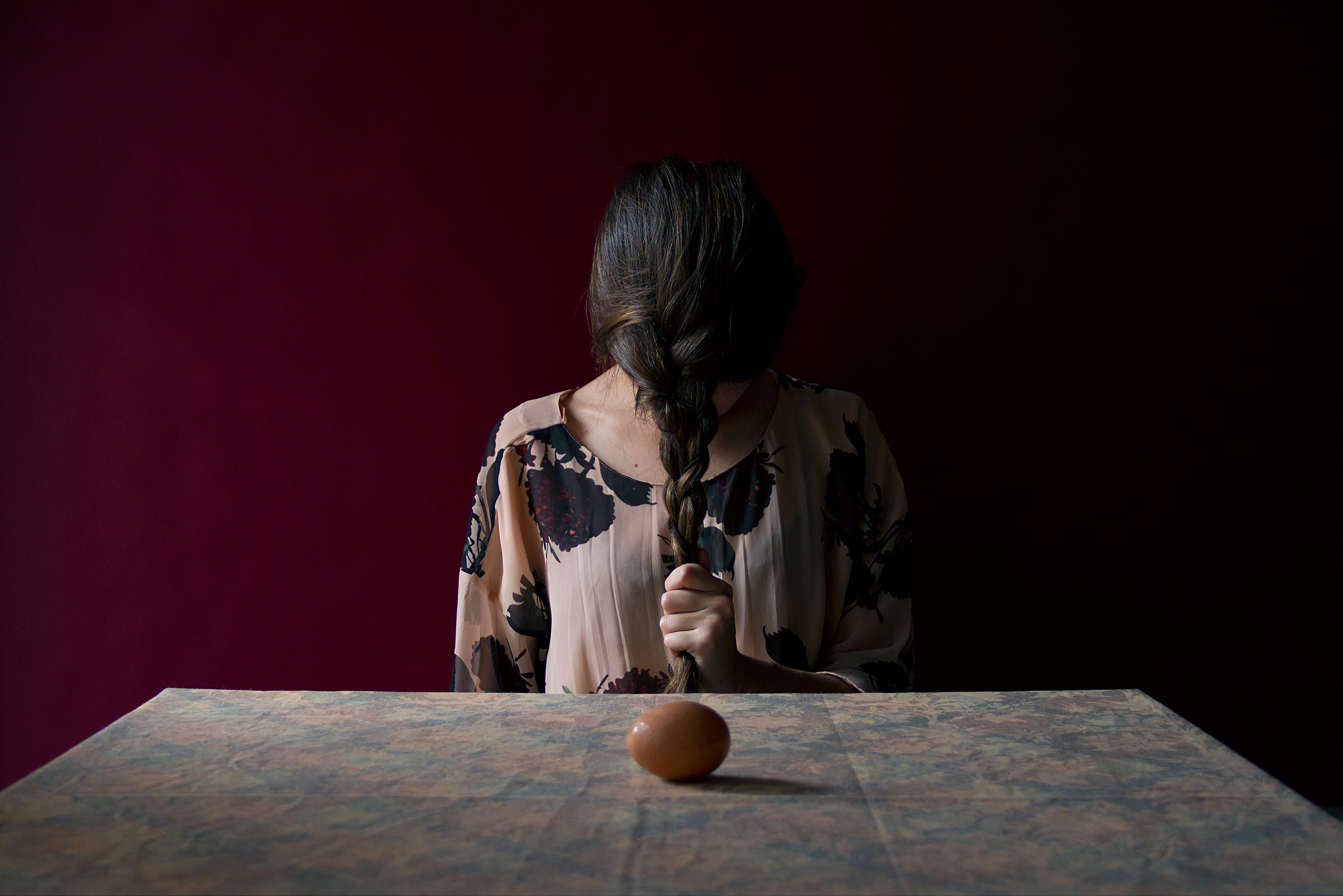 the exhibition The Silence of the Pomegranates by Andrea Torres Balaguer