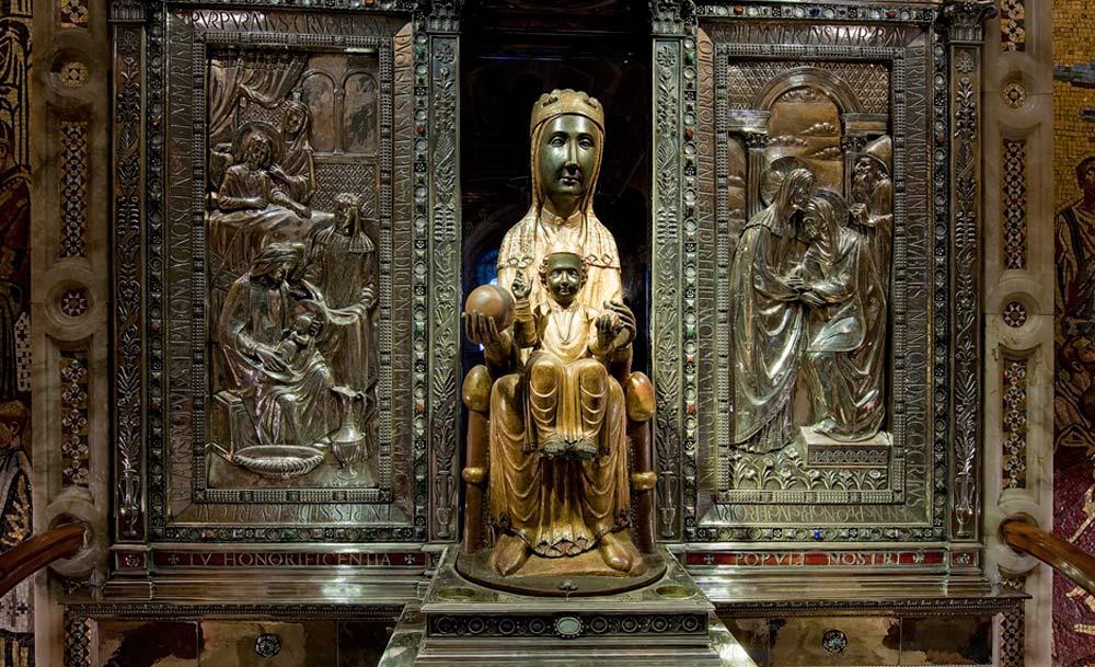 Solemnidad de la Virgen de Montserrat