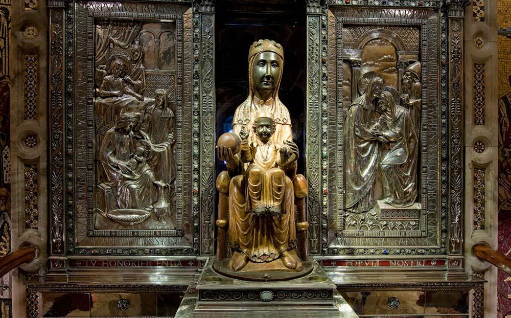 Tancament de l'accés al Cambril de la Mare de Déu